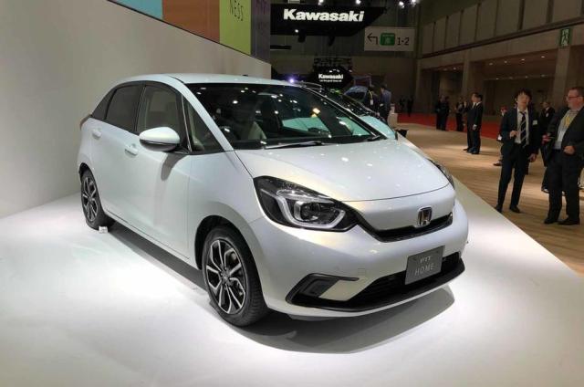 Honda Jazz Facelift Depan OTR.id