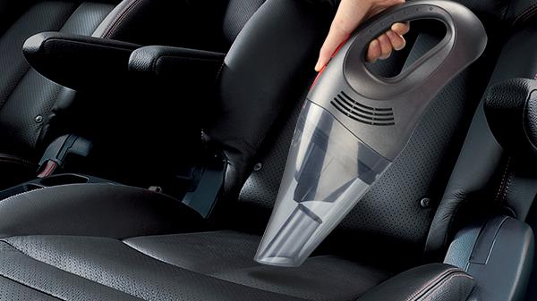 Tips Bersihkan Kabin Mobil - Vakum Cleaner OTR.id